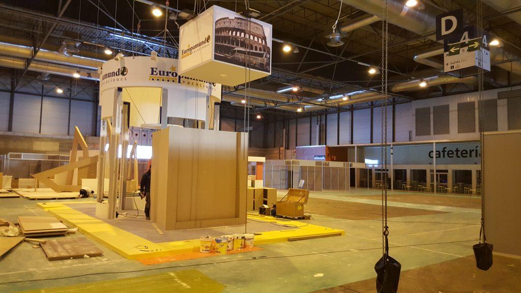 stand europa mundo en fase de construccion en Fitur